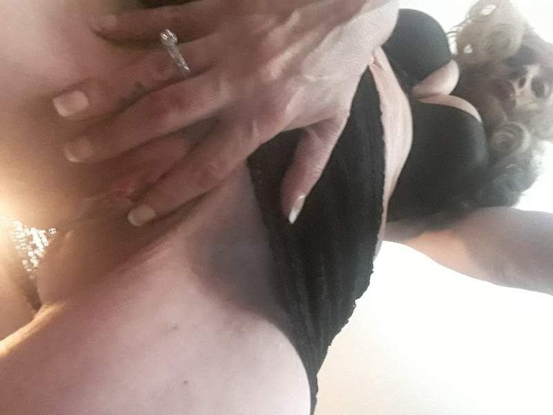 Wet wet Wednesday! Please cum play with me... or on me!💘😜👿👿 - 5