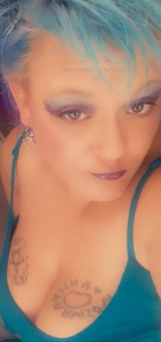 TUES WED THURS INCALL available off needham- Violets needs cock! - 10