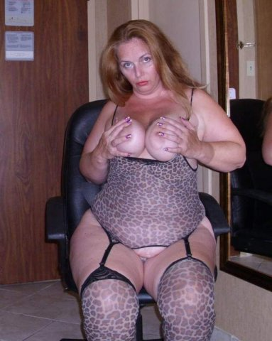 ??I AM LOOKING FOR A NICE COCK TO PUSSY SERVICE?? - 1