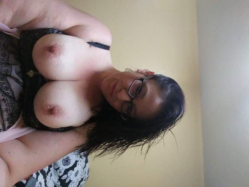 8063755677want to play with all this voluptuous assssss!!!!!!! - 5