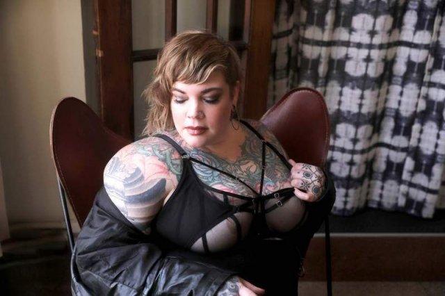 Kinky Blonde BBW GFE Escort Erin Black in Madison WI 10/14-15th! - 1