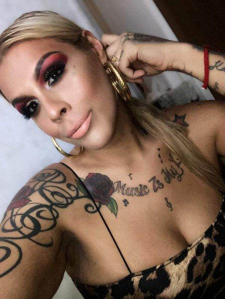 (IN/OUTS AVAIL) Sexy Curvy Trans Latina 6in FF Candy awaits 4 u! - 8