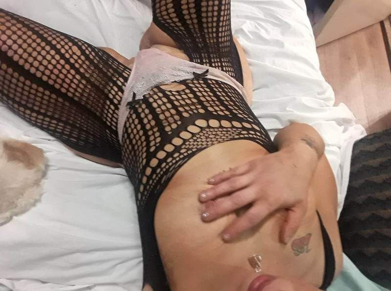 Miss Kats doing outcalls some incalls all night - 12