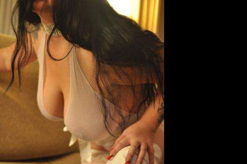 Thick, CURVY, VOLUPTUOUS 40E's, CRANBERRY twp 1 more day. 10/15 - 8