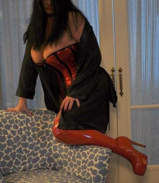 Thick, CURVY, VOLUPTUOUS 40E's, CRANBERRY twp 1 more day. 10/15 - 10