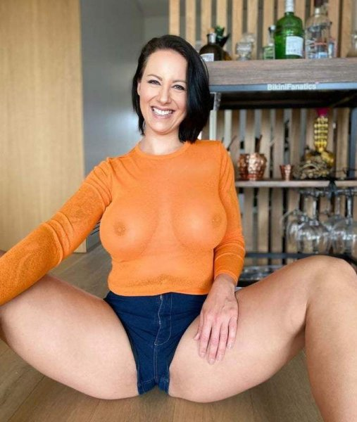 🍀🎍Older mom fuck my Buddy 💋💋 - 2