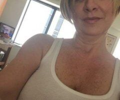 Warwick female escort - Sweet & decreet hungrY💦mature woman💦need sexual satisfaction