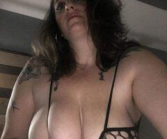 Boston female escort - 44 Y/O Divorced Older Mom FUCK ME 69 STYLE Totally FREE TO NIGHT