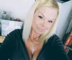 Sarasota/Bradenton female escort - Special 150 Out Call Only..🍭.🧁🍭Candi....🍭🧁.....outcall....