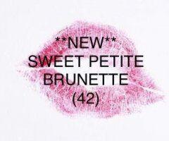 Johnson City female escort - 💋 NEW Petite Brunette (42) ♥️ / New Chocolate Beauty 💋