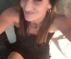 Fort Myers female escort - Far from plain jane
