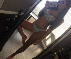 Toledo female escort - Slim Cutie With All The Right Curves! Sexy Treat To Meet!