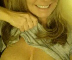 Charleston female escort - Who want to play the day away??