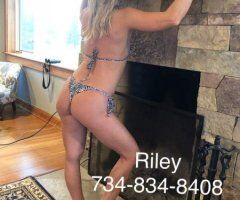 Grand Rapids body rub - Nude massage with sexy Riley