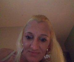 Biloxi female escort - new to town