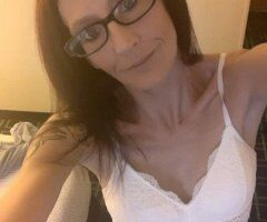 Fayetteville female escort - Natural Submissive......Will you be my daddy!?!?😉😉