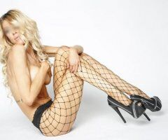 Jersey Shore female escort - Bubbly Blonde With a Wicked Side