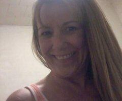Northern Virginia female escort - Ashley...Sweet & Discreet