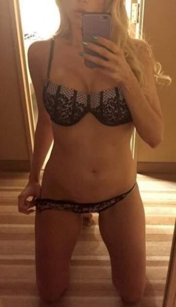 Hott blonde ready to see u now available in and outcalls!!!💋💕💋 - 3
