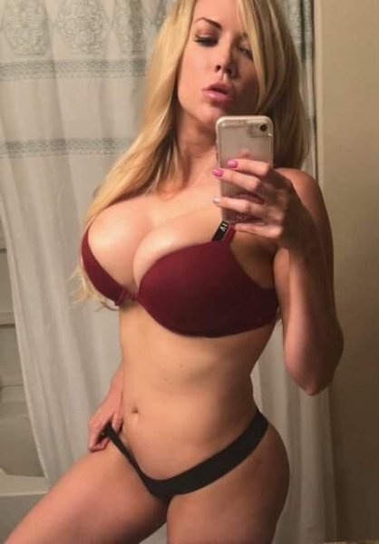 Hott blonde ready to see u now available in and outcalls!!!💋💕💋 - 4