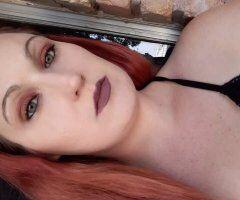 KipWhite girl with a booty Fun Classy Green eyed bombshell - Image 1