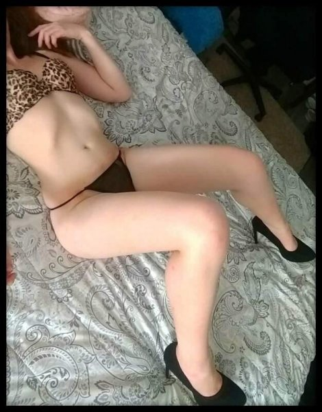 Sexy, Vivacious And Charming Blonde With Killer Curves - 4