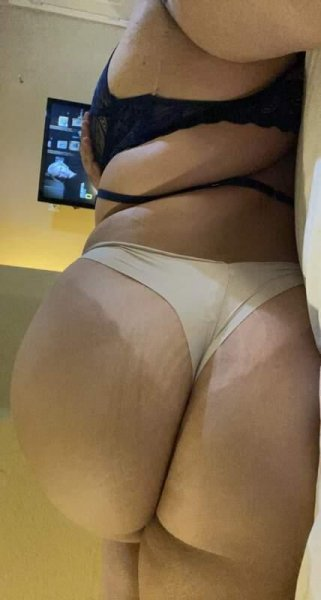 Hey Guys my name Is Rissa✨Thick Booty 💎 Deepthroat 👅💋💋Highly Skil - 2