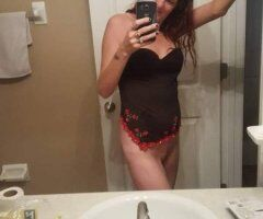 Mobile female escort - It's cold let me warm you up