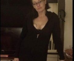 Lansing female escort - Mom and step daughter want to play