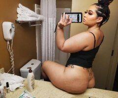 Milwaukee female escort - Last day to get me! 🙃