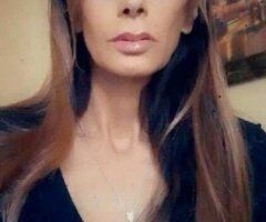 Hudson Valley female escort - MILFY Mondays are so....MILFY, aren't thay?