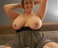 Ann Arbor female escort - GingerSnappz
