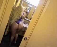 Blonde Barbie with a big ol booty - Image 2