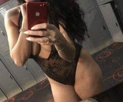 Philadelphia female escort - Alana Hablo Espanol