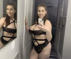 Eastern Connecticut female escort - In town only for the night 100% me or it's free