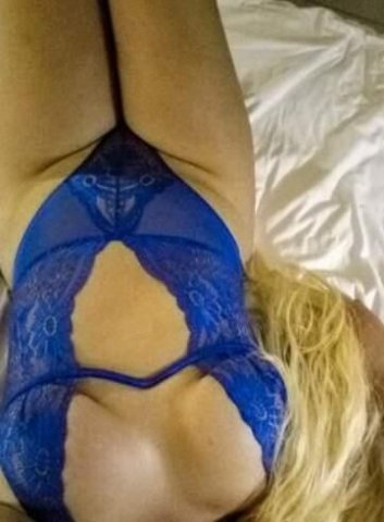 Sexy BLONDE big booty Goddess - 100% real photos - available now - 2