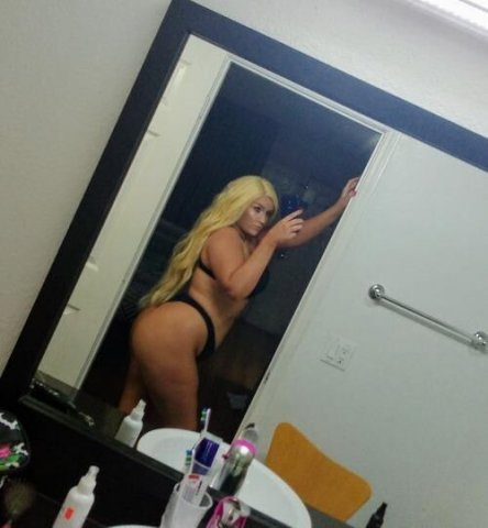 Sexxxy Blonde Barbie with a BOOTY - Your new FAVORITE ?♥ - 2