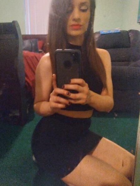 *** Petite Sexy Brunette Ready to Play ** - 2