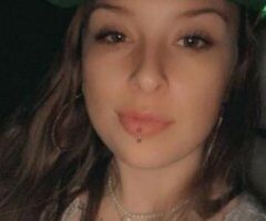 Kansas City female escort - Lets hang Baby 😘 give me a Call