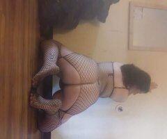 Hampton female escort - Come check me Mrs. Roxy foxy out today.