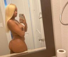 Houston female escort - Let me bring you heaven with this tight pussy