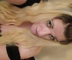 Colorado Springs female escort - 75qv 90hhr or 150hr for in calls I'm available for outcalls now