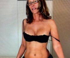 Northern Virginia female escort - lover of all babes ❤️❤️❤️