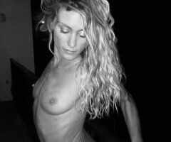 Space Coast female escort - Vanessa is visiting Cocoa Beach. Oh, Yes!