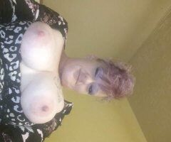 Dayton female escort - Beautiful mature woman