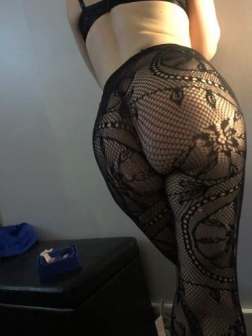 Young Young Petite Blue Eyed Blondie 🥰😘(781)913-1107 - 4