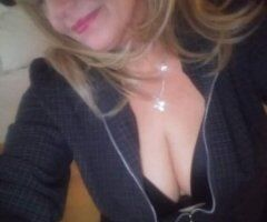 Bellingham female escort - 8 it's a beautiful day ...so who wants to play?