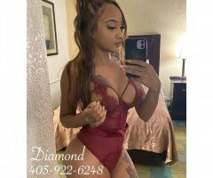MissDiamond with the curves - Image 5