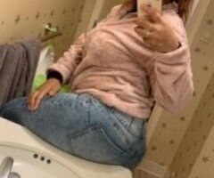 ✨ Curvaceous, Young HOTTIE (Upscale Experience) - Image 1