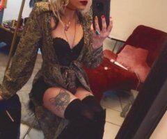 Hot blonde in tempe - Image 1